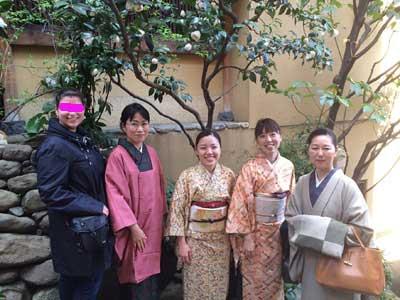 外国人観光客と写真