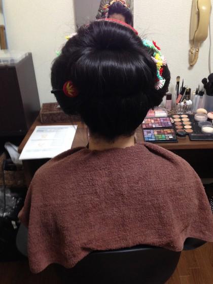 新日本髪の後ろ姿