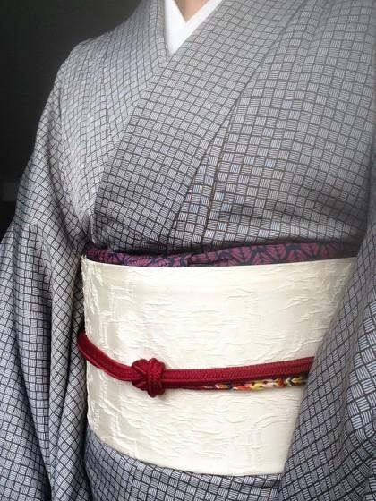 こんな着物コーディネイト…赤い帯締めで