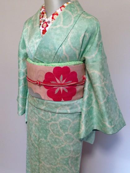 華やかな刺繍半衿で着物コーデ遊び